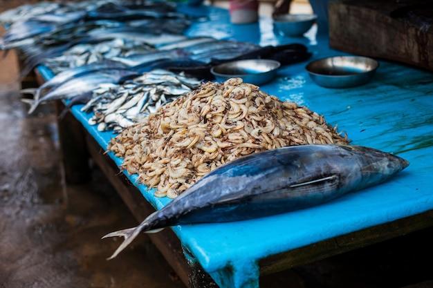 Mariscos en el mercado de pescado.