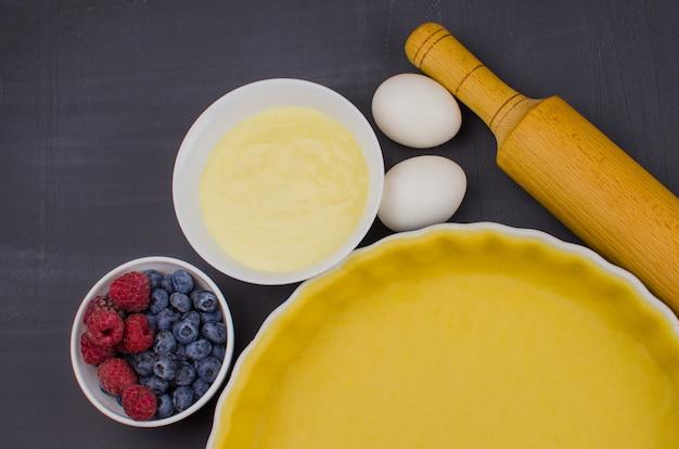 Masa dulce para hornear tarta e ingredientes