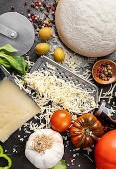 Masa e ingredientes para pizza