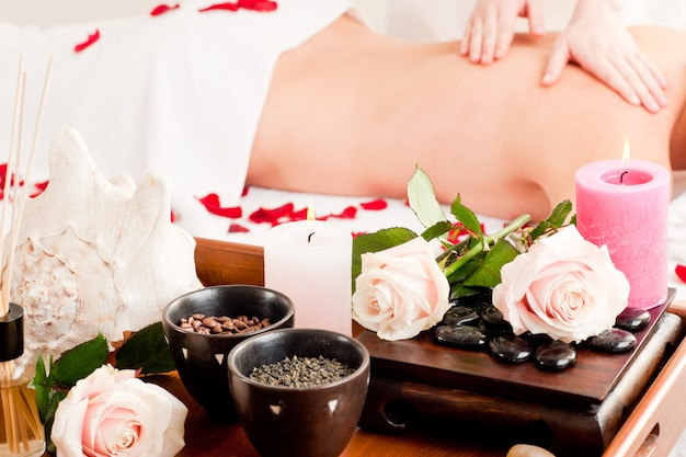 Masaje de espalda en spa