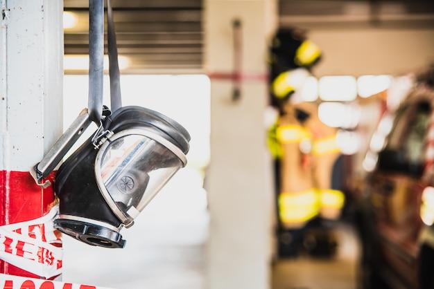 Máscara profesional para respirar en ambientes contaminados con humo por los bomberos.