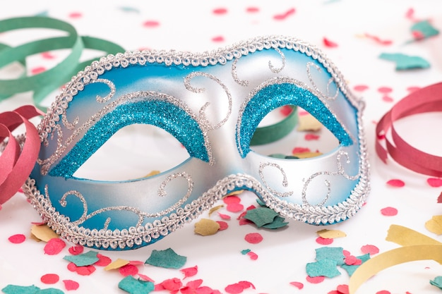 Mascara veneciana azul