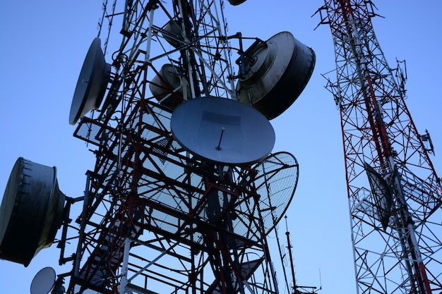 Mástil de telecomunicaciones antenas de tv tecnología inalámbrica