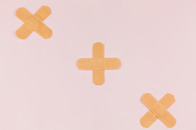 Material médico con tiritas