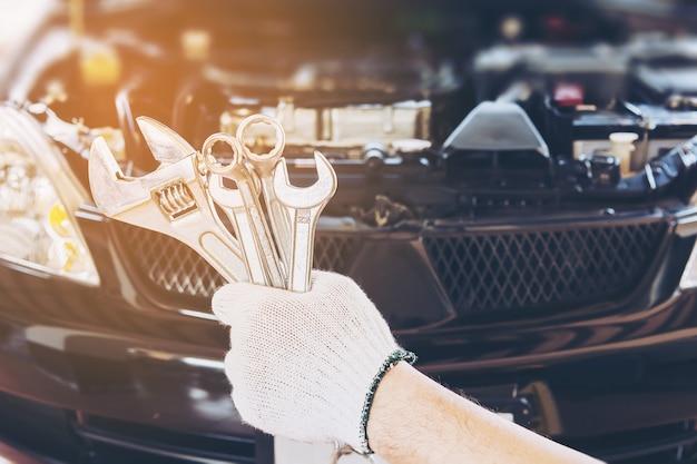 Mecánico, hombre, reparación, coche