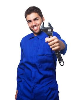 Mecánico sonriendo