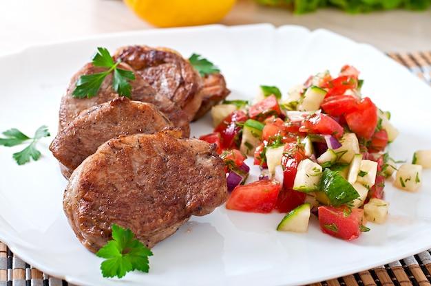 Medallones de cerdo con salsa