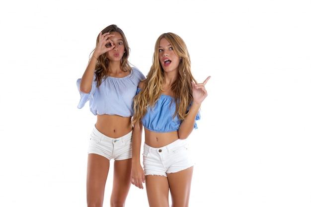 Las mejores amigas adolescentes felices juntos