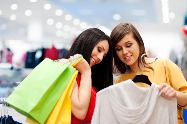 Mejores amigos de compras