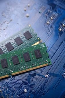 Memoria de la computadora ram en la placa base