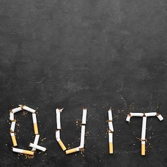 Mensaje de dejar de fumar en el espacio de copia