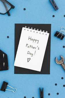 Mensaje del día del padre del espacio de copia