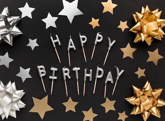 Mensaje de feliz cumpleaños con decoraciones