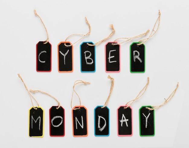 Mensaje de lunes cibernético en letras de etiquetas