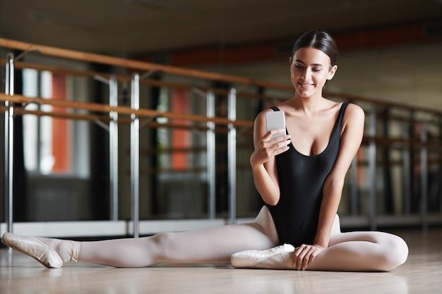Mensajes de texto durante la clase de ballet