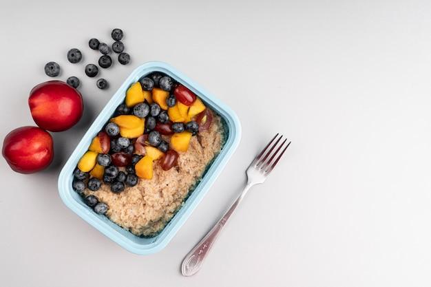 Merienda de deliciosa comida saludable