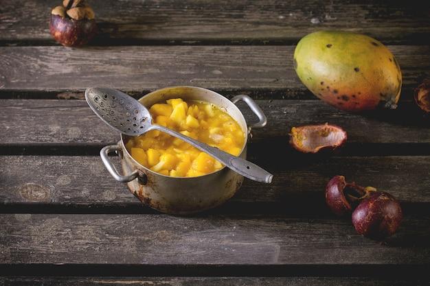 Mermelada de frutas exóticas