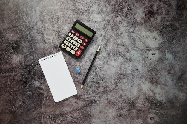 Mesa de escritorio en línea fondo de finanzas de negocios