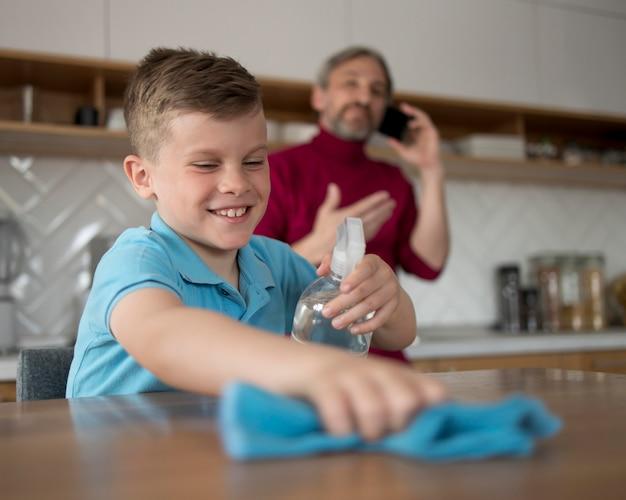 Mesa de limpieza para niños tiro medio