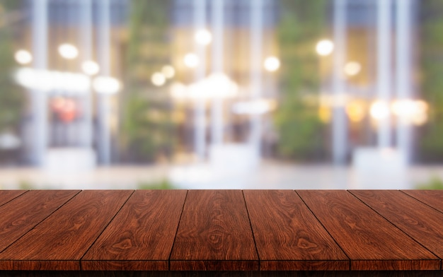 Mesa de madera de restaurante moderno