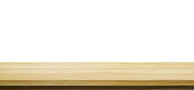 Mesa de madera vacía, escritorio aislado sobre fondo blanco.