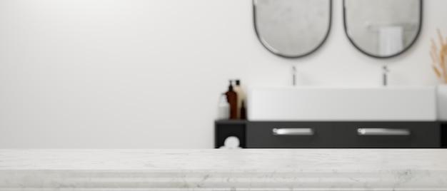 Mesa de mármol vacía con espacio para montaje sobre el interior del baño con estilo moderno y borroso