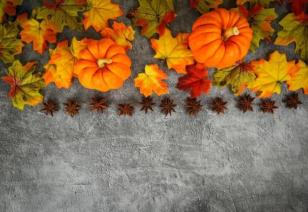 Mesa de otoño con calabazas vacaciones