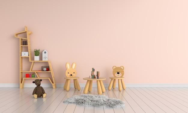 Mesa y silla de madera en habitación infantil