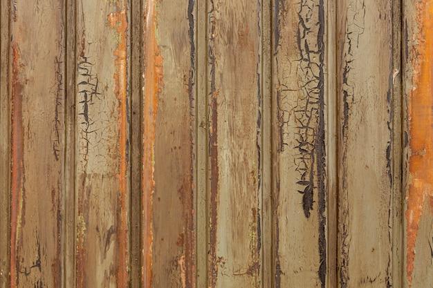 Metal oxidado con patrón vertical