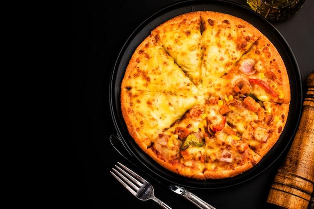 Mezcla de pizza comida italiana, durian y pizza con sabor a pollo