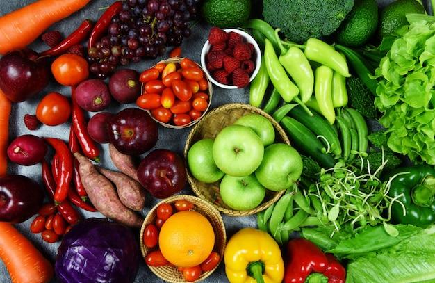 Mezcla de verduras y frutas, alimentos saludables, alimentación limpia para la salud