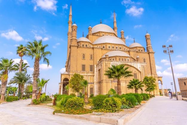 Mezquita de alabastro en la ciudad de el cairo, en la capital egipcia. áfrica
