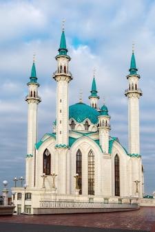 La mezquita principal de qol sherif en la ciudad de kazan, república de tatarstán, rusia