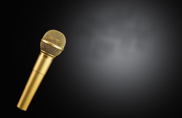 Micrófono dorado