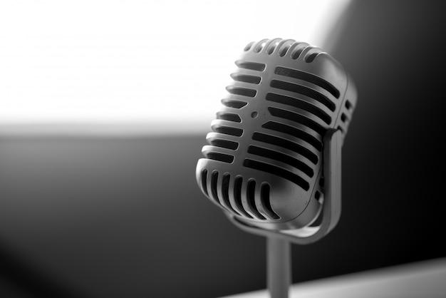 Micrófono de estilo vintage.
