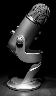 Micrófono moderno de cerca