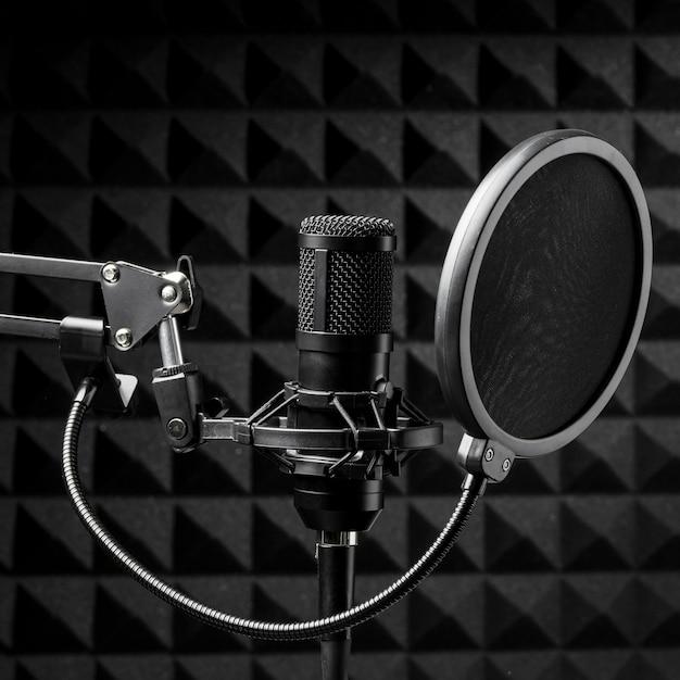 Micrófono con pop buster