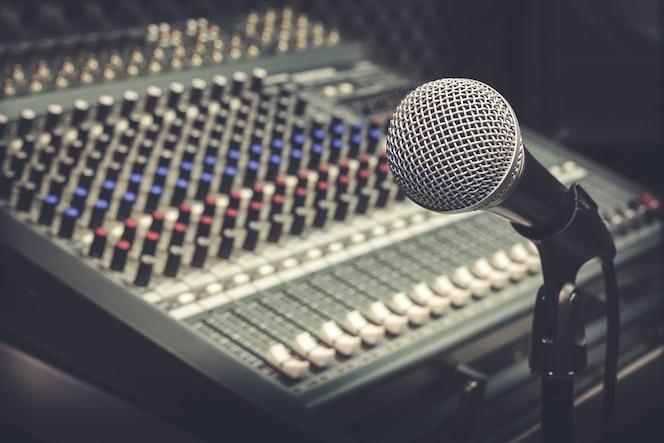 Micrófono y mezclador