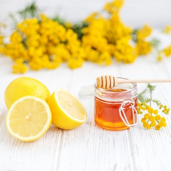 Miel y limones. las vitaminas