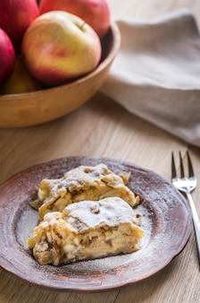Milhojas de manzana con nueces