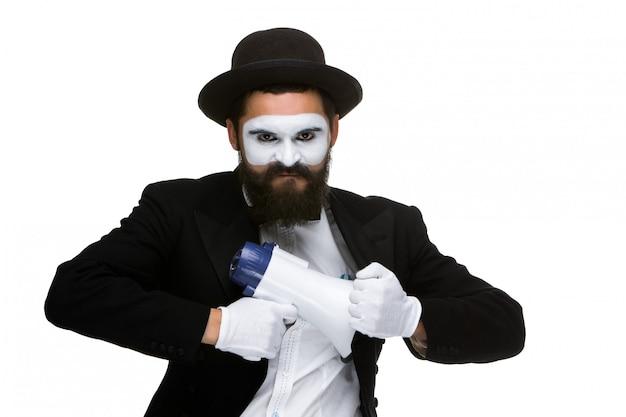 Mime como hombre de negocios con un megáfono