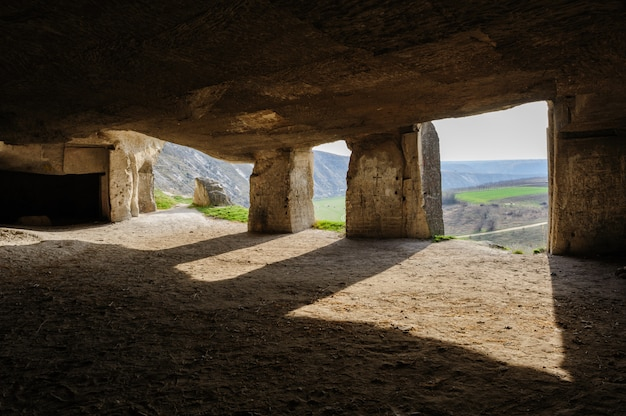 Minas de piedra caliza, old orhei, moldavia