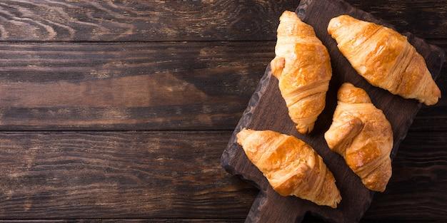 Mini croissants recién hechos