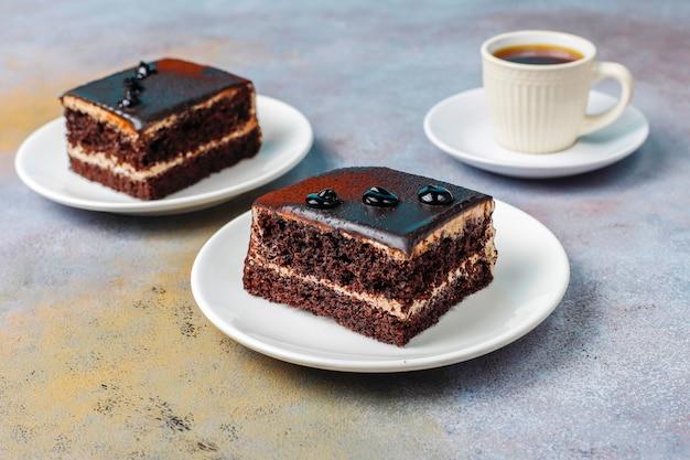 Mini pasteles de chocolate caseros sabrosos