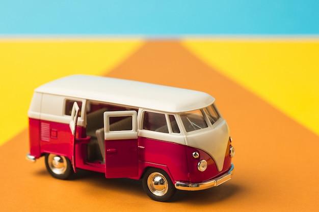 Minivan vintage en miniatura