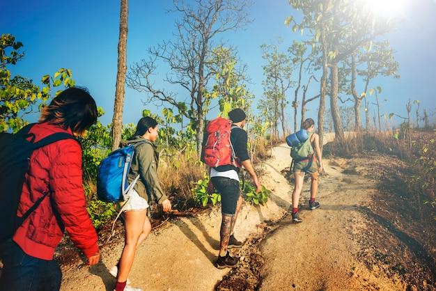 Mochilero camping senderismo viaje viaje concepto trek