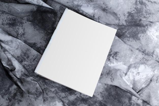 Mock up, papel fotográfico, hoja blanca.