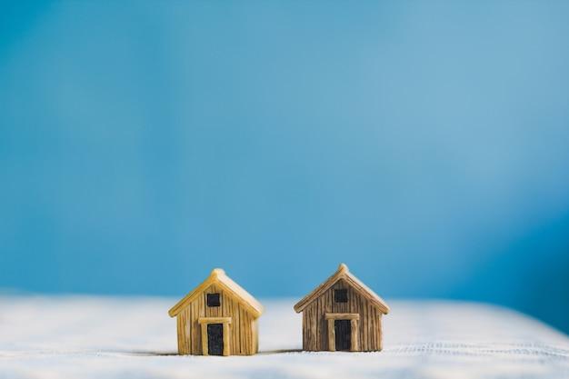 Modelo de casa en miniatura con
