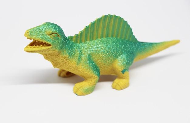 Modelo de dinosaurio para niño