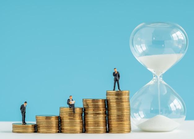 Modelo de miniture sobre tiempo y estrategia empresarial